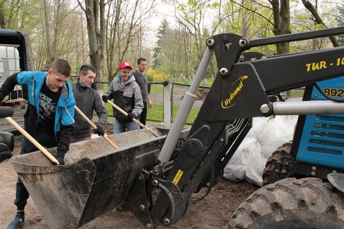 У Луцьку влаштували масове прибирання (ФОТО), фото-9