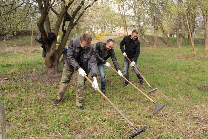 У Луцьку влаштували масове прибирання (ФОТО), фото-1