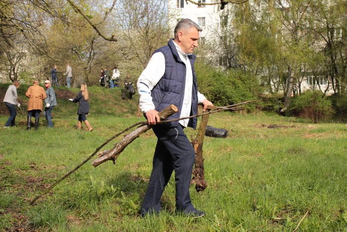 У Луцьку влаштували масове прибирання (ФОТО), фото-5
