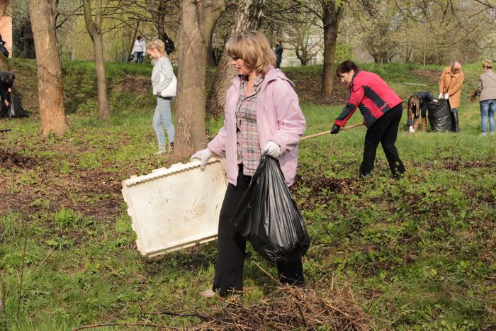 У Луцьку влаштували масове прибирання (ФОТО), фото-15