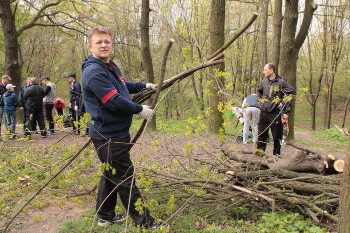 У Луцьку влаштували масове прибирання (ФОТО), фото-33