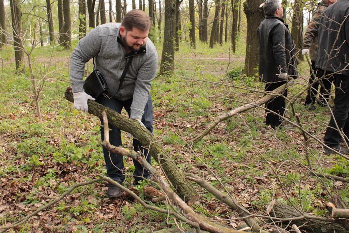 У Луцьку влаштували масове прибирання (ФОТО), фото-35