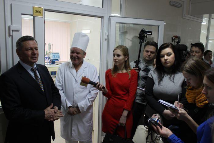 У Луцькій міській клінічній лікарні відкрито оновлене відділення реанімації(ФОТО), фото-13