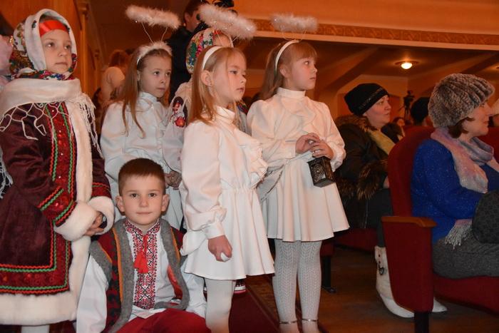 """Міський фестиваль вертепів """"З Різдвом Христовим!"""" об'єднав творчі колективи Луцька, фото-6"""