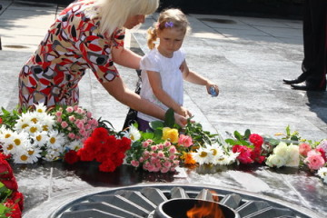 День скорботи та вшанування пам'яті жертв війни у Луцьку