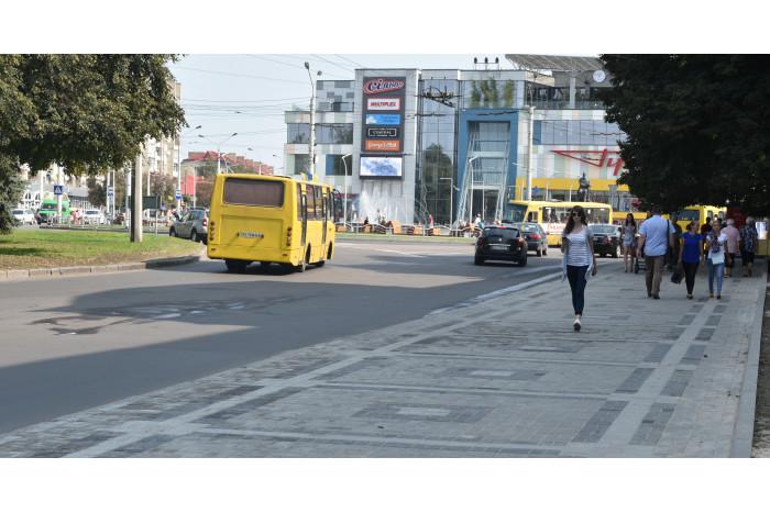 Тривають роботи з благоустрою та покращення стану доріг нашого міста