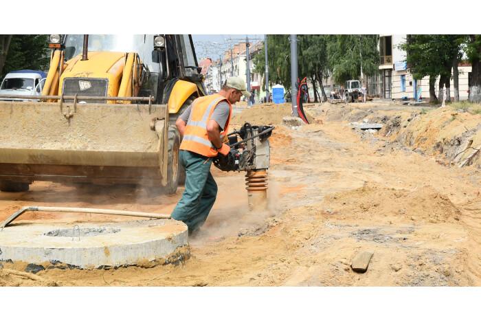 Триває активна фаза ремонтних робіт луцьких вулиць та доріг, що не так давно приєднали до Луцької громади