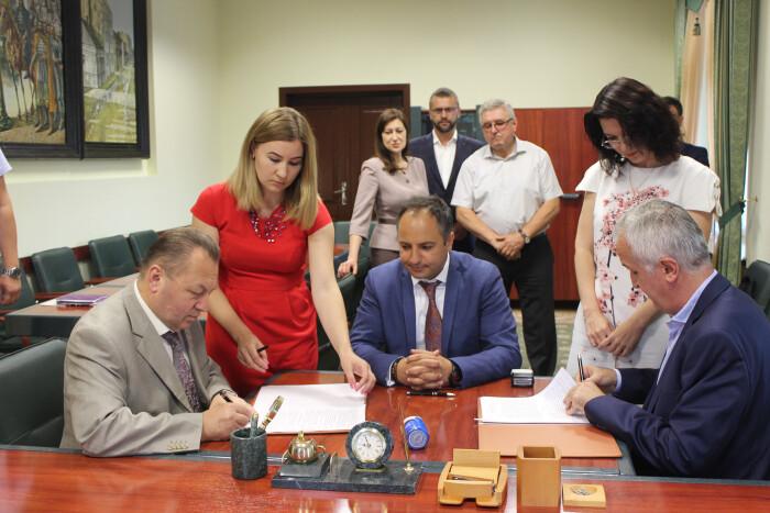 Підписано угоду про запровадження автоматизованої системи оплати проїзду у громадському транспорті Луцька