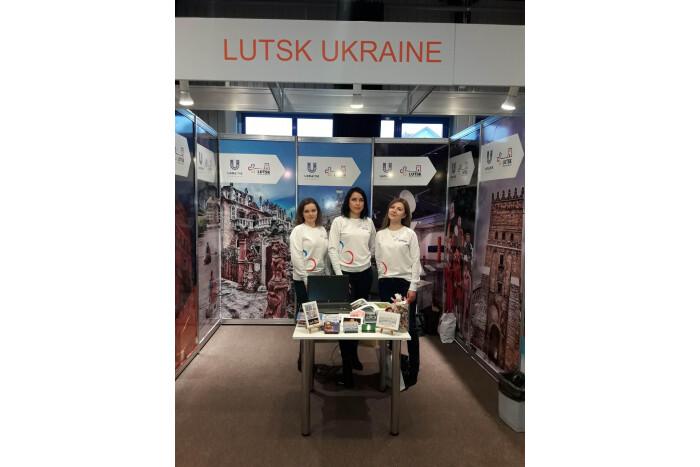Луцьк представляє свій туристичний потенціал на Міжнародній  виставці у Литві