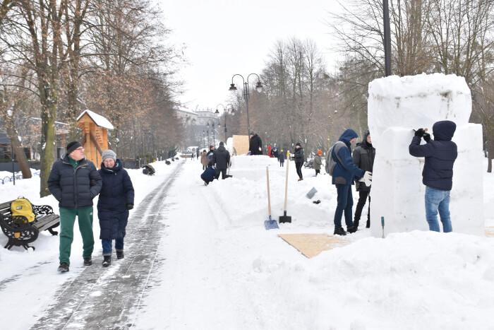 У Центральному парку культури та відпочинку стартував пленер «Снігова скульптура»