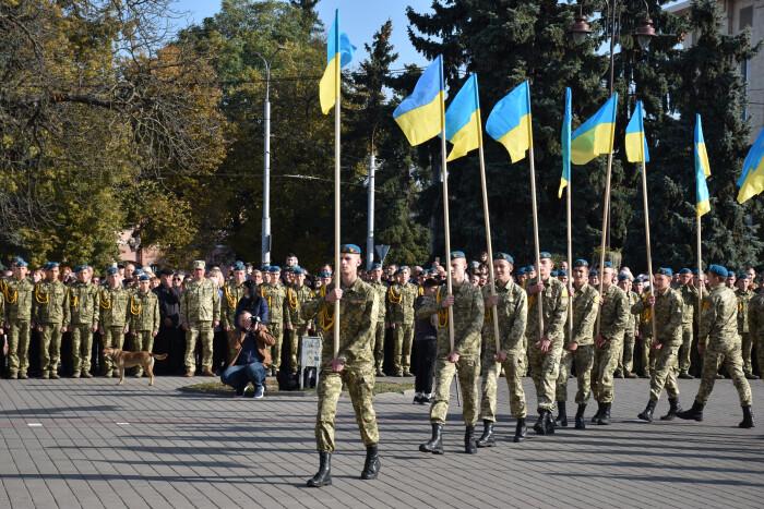 Учнів Волиснького обласного ліцею урочисто посвятили у ліцеїсти у центрі Луцька