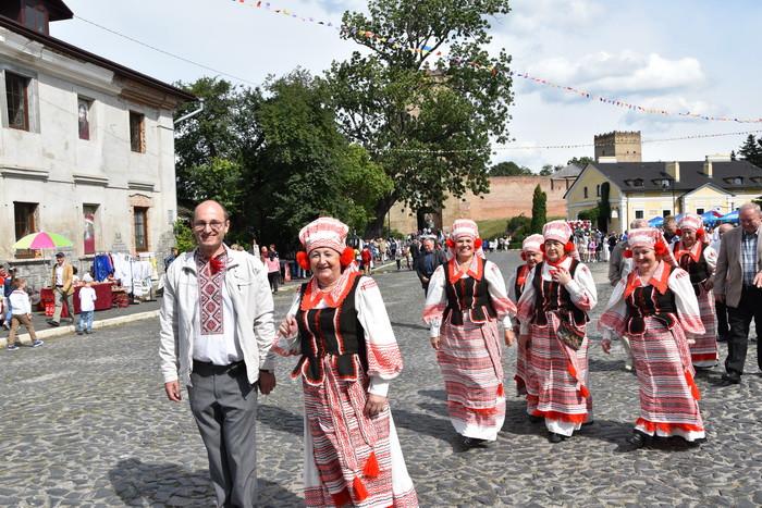 """Інтеркультурний   фестиваль """"Палітра культур"""" показав традиції народів, що проживають у місті Луцьку"""