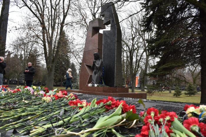 У Луцьку вшанували пам'ять воїнів, які загинули на території інших держав