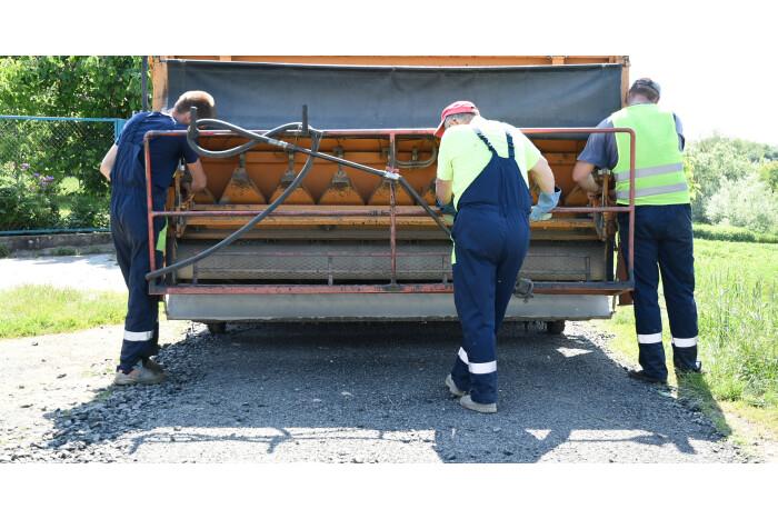 Тривають ремонти доріг у Луцькій міській територіальній громаді