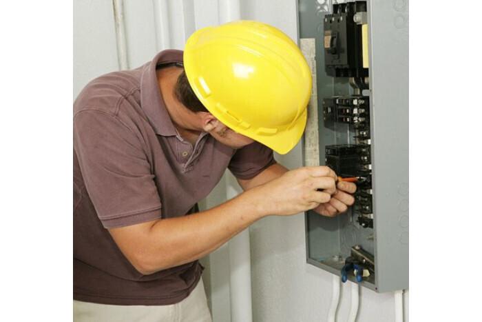 Відключення електроенергії 5 травня