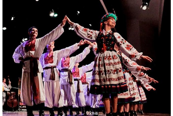 """""""Волиняночка"""" представила нашу країну на міжнародному фольклорному фестивалі у Португалії"""