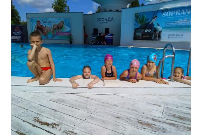 """Дітки, що потребують особливої соціальної підтримки, відвідали комплекс сімейного відпочинку """"Ротонда"""""""