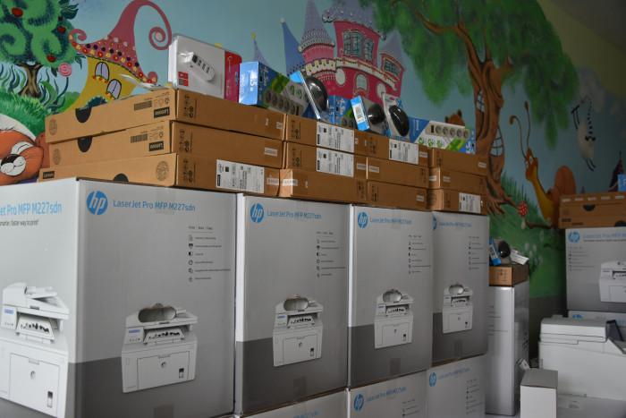 Луцька міська дитяча поліклініка отримала комп'ютерне обладнання