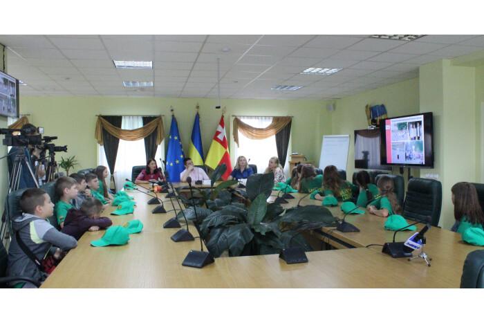 Юні лучани з сімей учасників АТО повернулись із відпочинку у Литовській Республіці