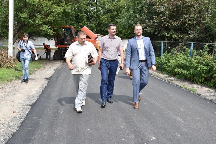 На вулицях Луцька активно тривають ремонтні роботи