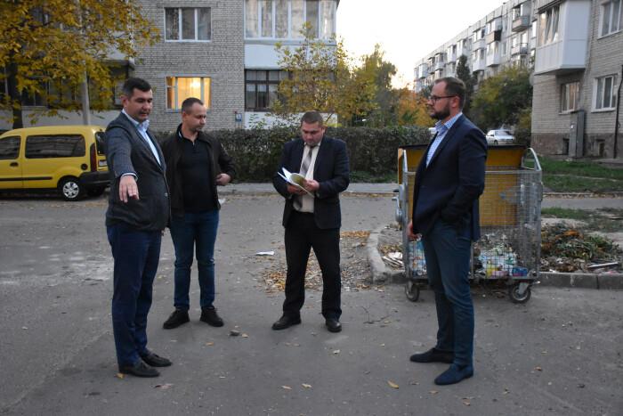 На вулиці Гулака-Артемовського розглядають можливість встановлення підземних контейнерів для сміття