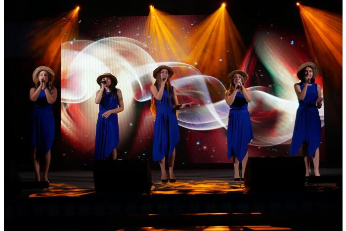 Святковий концерт за участі творчих колективів та окремих виконавців, приурочений 935-й річниці Луцька, відбувся на Театральному майдані