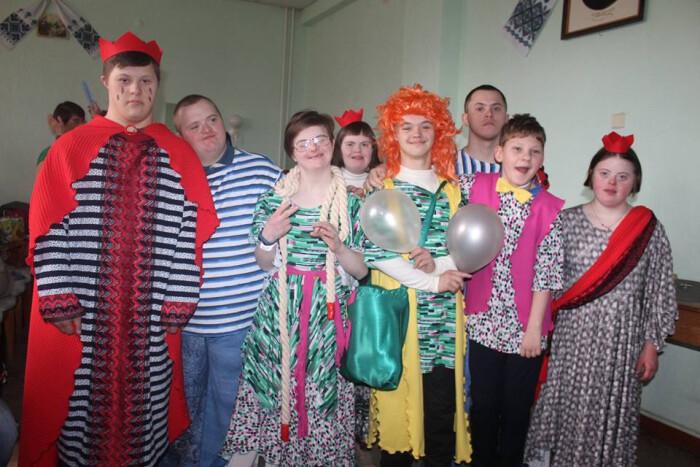 """Луцькі дітки взяли участь у Всеукраїнських театральних зустрічах """"Червоноград скликає друзів"""""""