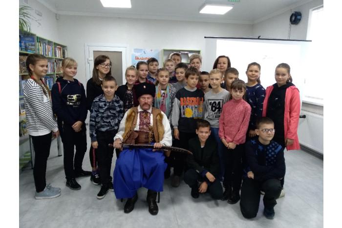 """Відбулася презентація книги краєзнавця Олександра Середюка """"Лицарі сонця"""""""
